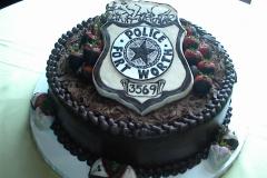 Police-Badge-Cake